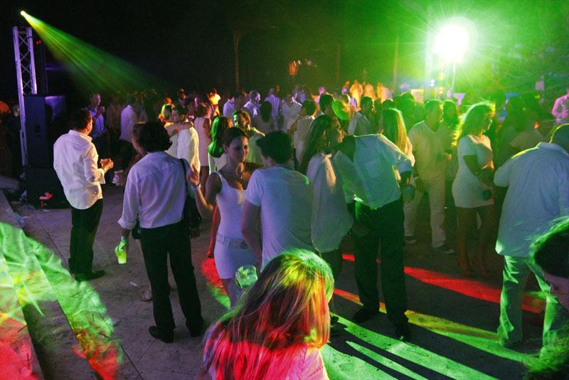 FIDF-Annual-White-Party-(11)