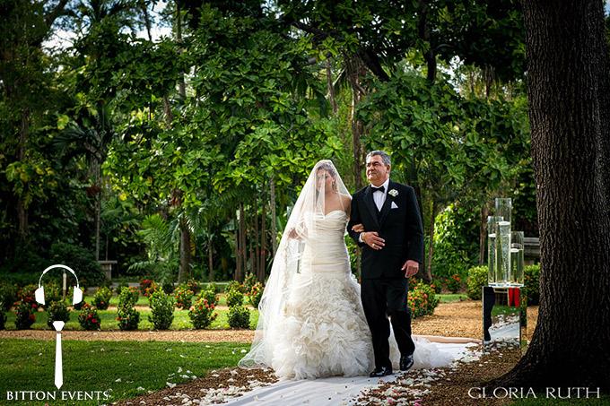 Ancient-Spanish-Monastery-Wedding-Pictures-Florida(4)